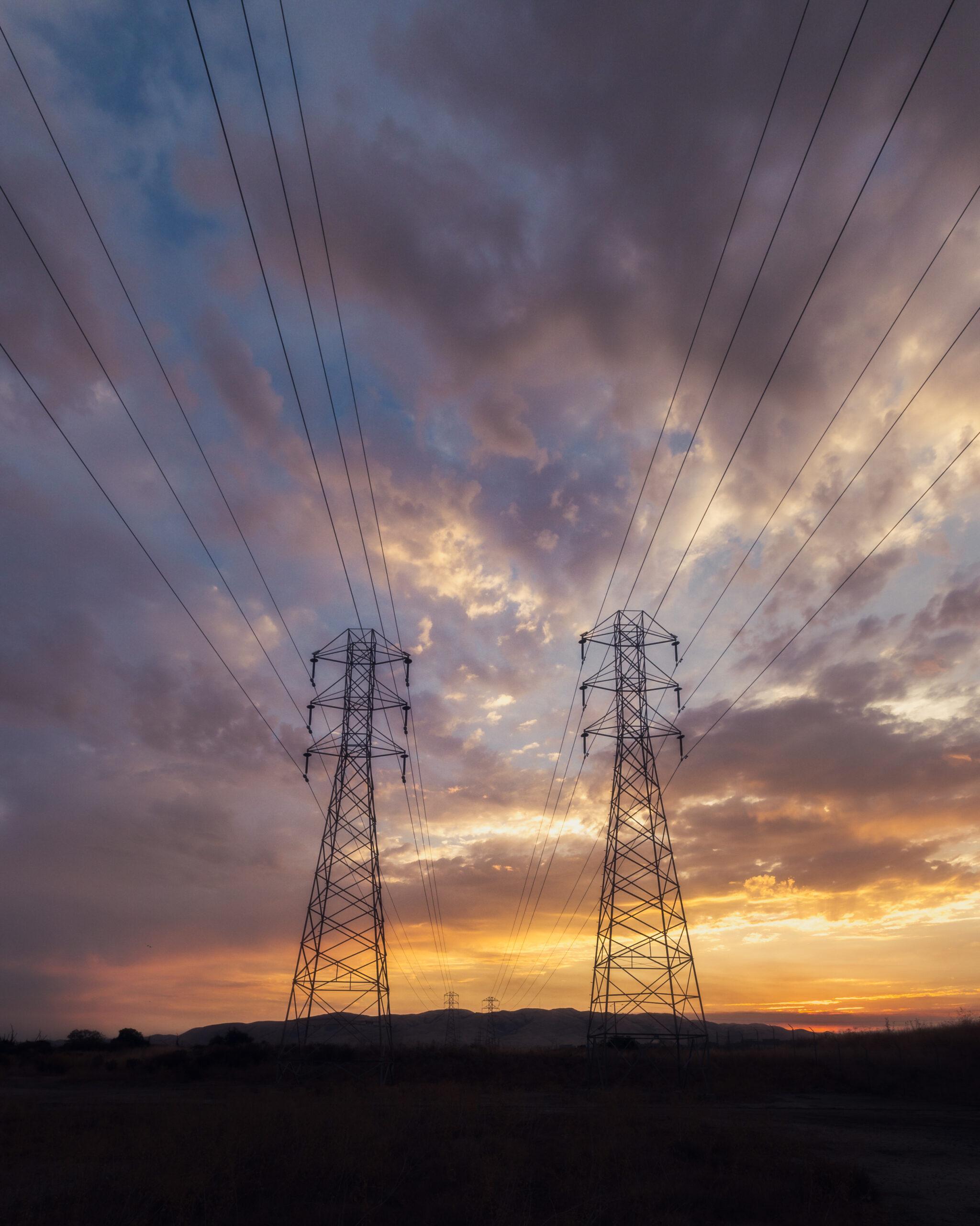 como-funciona-o-sistema-da-energia-solar-hibrida